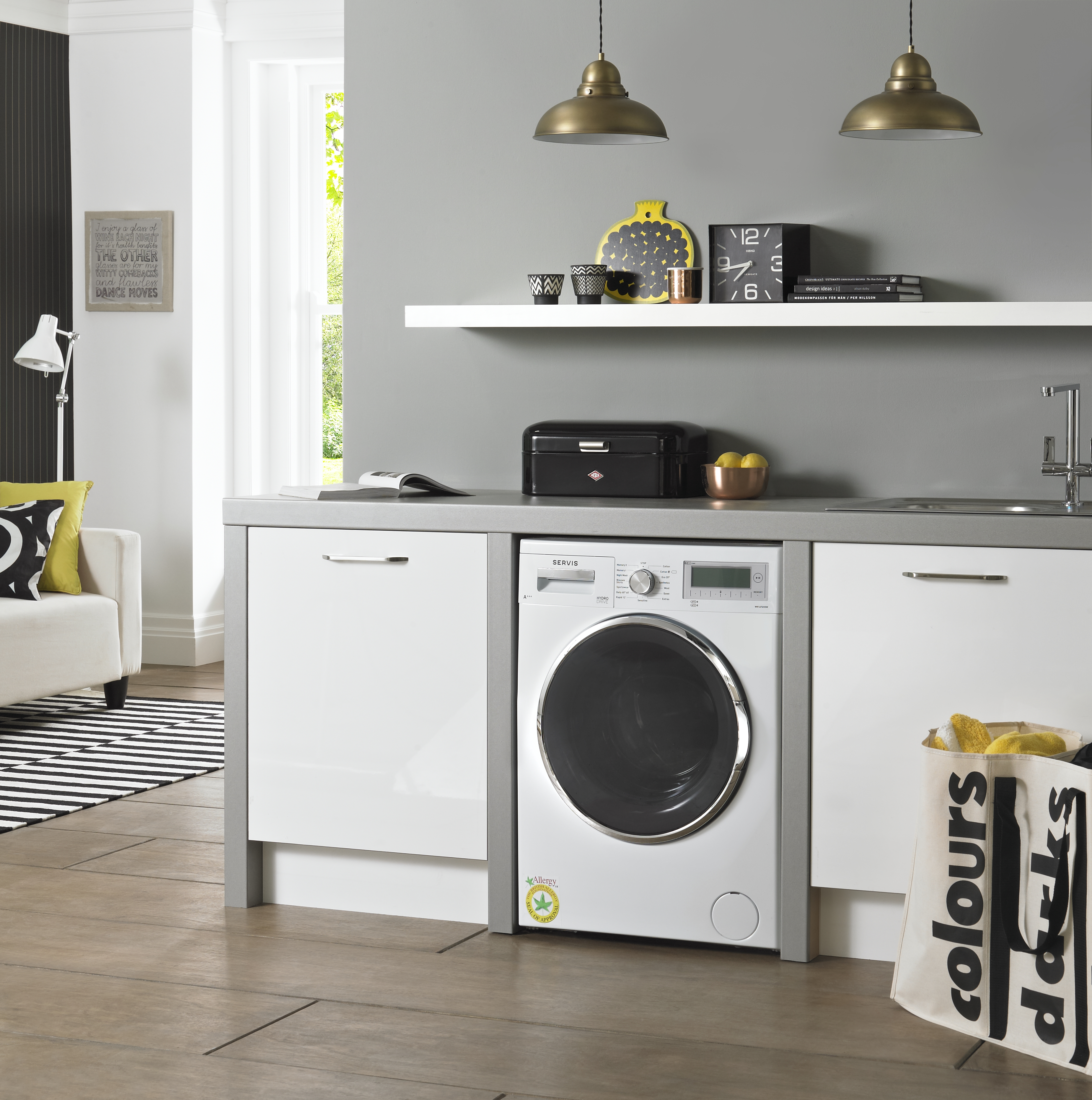 servis washing machines it don 39 t matter if you 39 re black. Black Bedroom Furniture Sets. Home Design Ideas