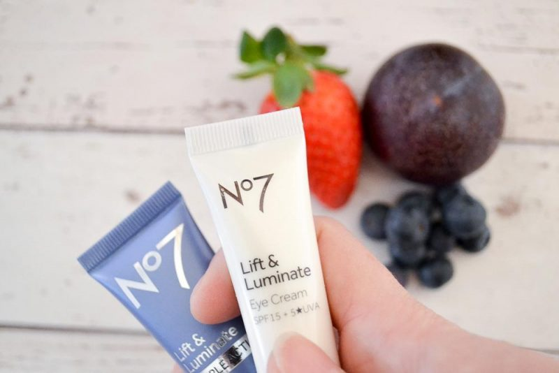 REVIEW: No7 Lift & Luminate anti-ageing range - Slummy Single Mummy