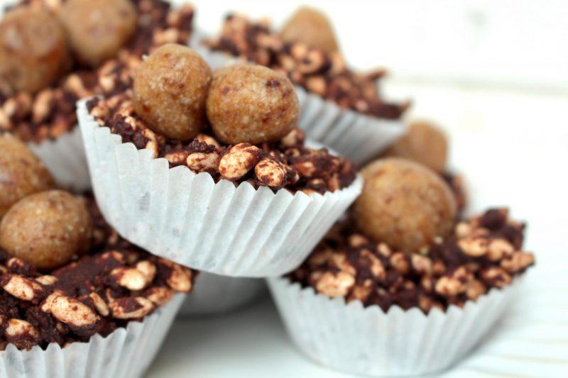 diary free raw chocolate krispy cakes Livia's kitchen