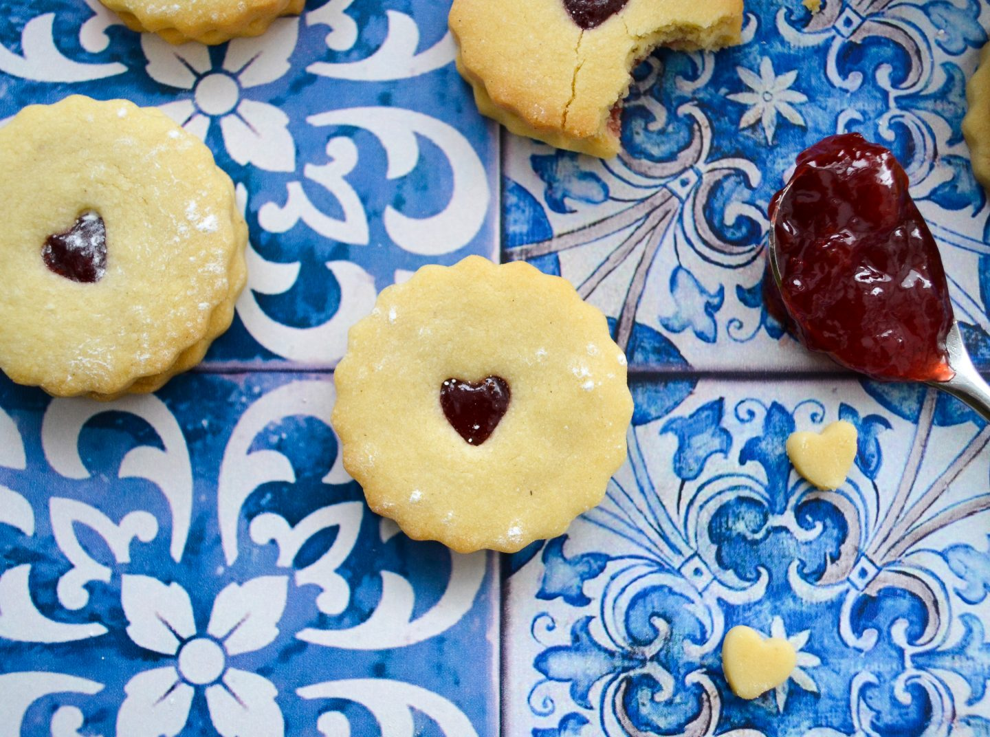 homemade jammie dodger recipe