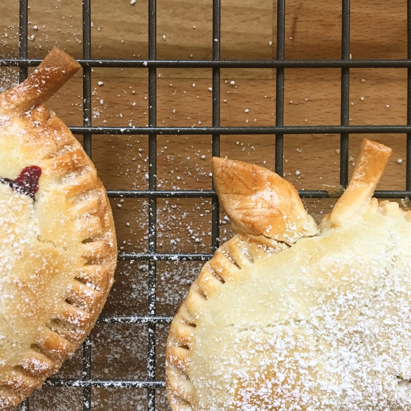 mini apple and blackberry pies