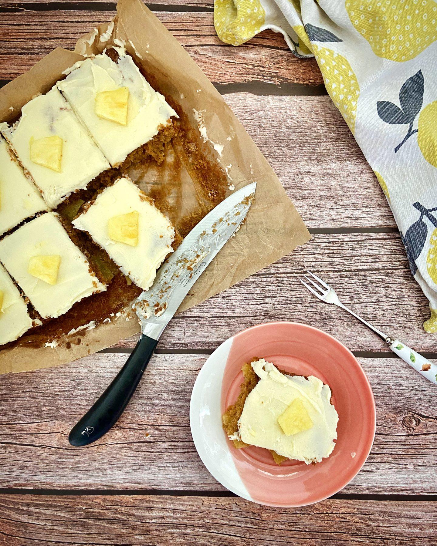 pineapple cake recipe with Malibu frosting